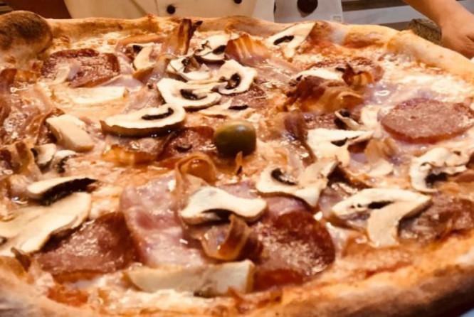 Casa Della Pizza Map Izola
